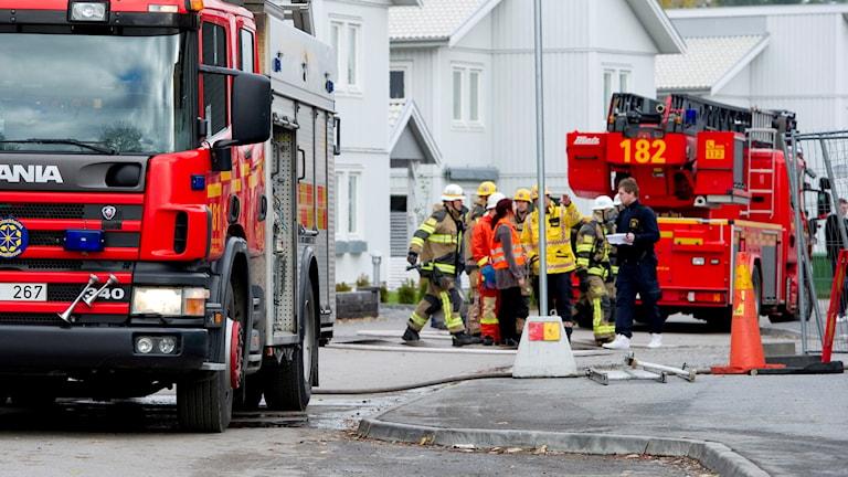 En brandbil och några brandmän