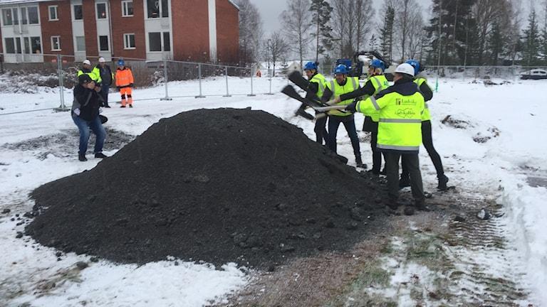 Första spadtaget tas på Marnäs nya skola.