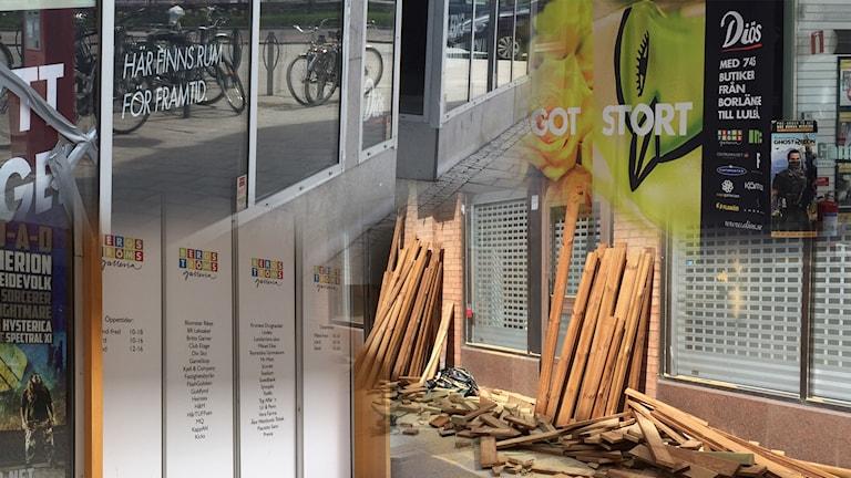 Collage av butiker som är stängda.