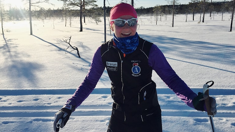 Moa Molander Kristiansen i skidspåren i Östersund.