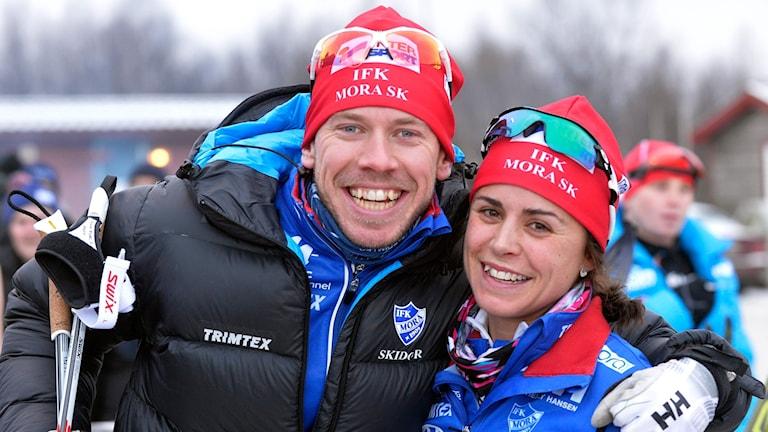 Längdskidåkarna Emil Jönsson och Anna Haag.