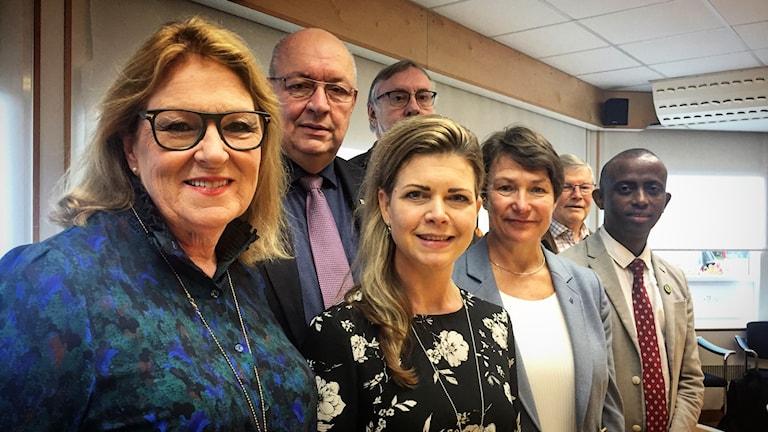Lisbeth Mörk-Amnelius (DSP), Ulf Berg (M), Bo Brännström (L), Sofia Jarl (C), Birgitta Sacrédeus (KD), Mursal Isa (MP) och Ingvar Nilima (DSP).