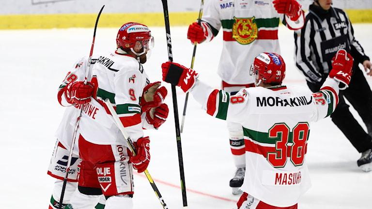 Mora IK-spelare jublar efter det första målet mot Linköping som kom efter bara 26 sekunder.