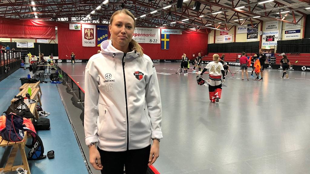 Lina Svarfvar spelar i Kais Moras damlag.