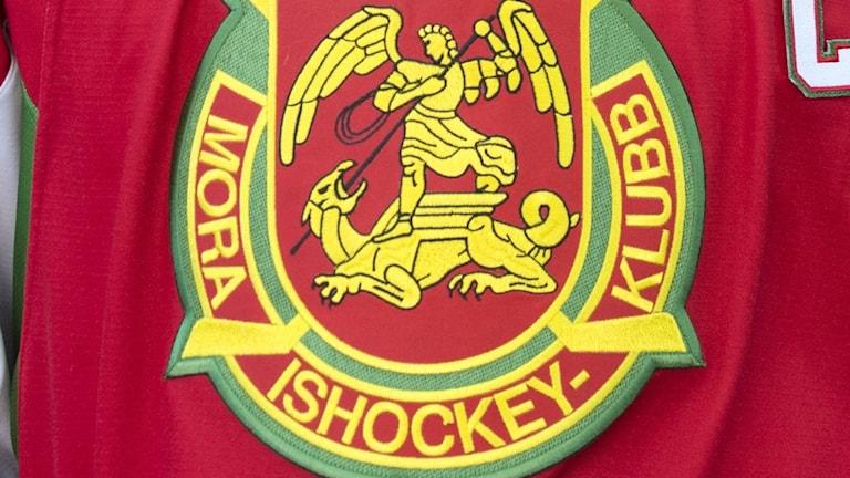 En bild på Mora IK:s klubbmärke