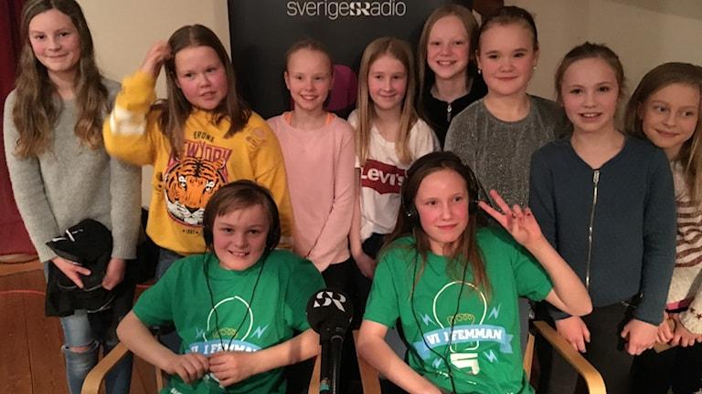 Max Vadsten Molly Blixt från Sätra skola i Rättvik tillsammans med sin klass 5A.