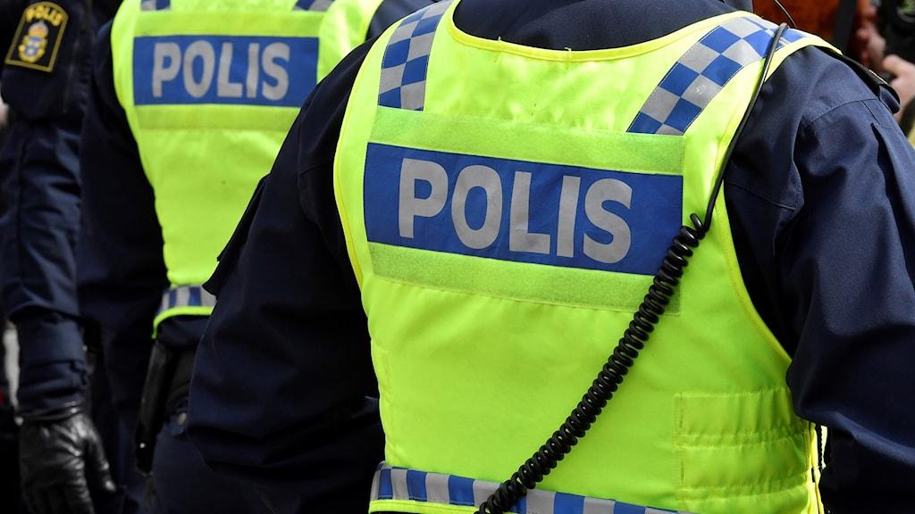 poliser rygg västar