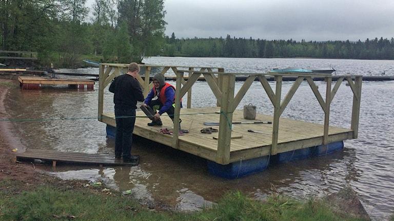 Elever i Bjursås sjösätter sina flottar