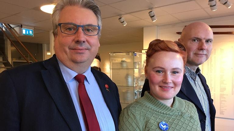 Hans Unander (S), Jessica Hellström (L) och Pär Kindlund (C).