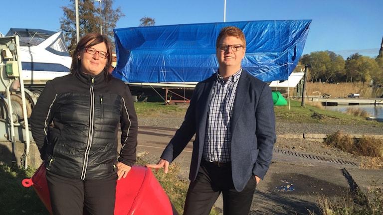 Carina Janzon, vd för Strömsholms Kanal och kommunalrådet i Smedjebacken, Fredrik Rönning (S).