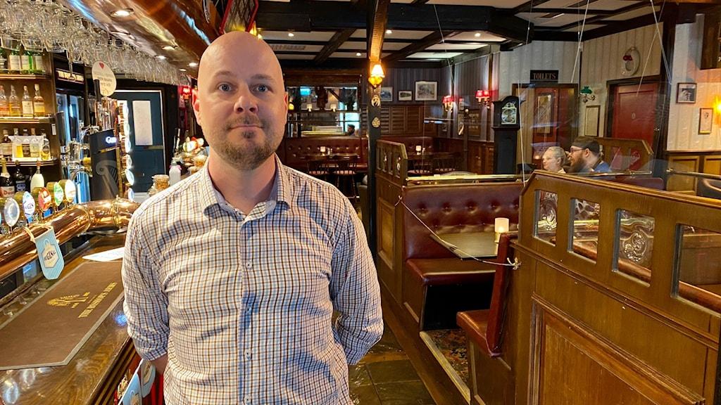 Anton Nordquist, pubchef, inne på restaurangen Bishops Arms i Falun.