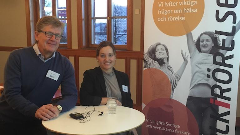 Vansbrosimningens chef, Jan Palander och Anna Lundh från organisationen Folk i Rörelse, en svensk klassiker.