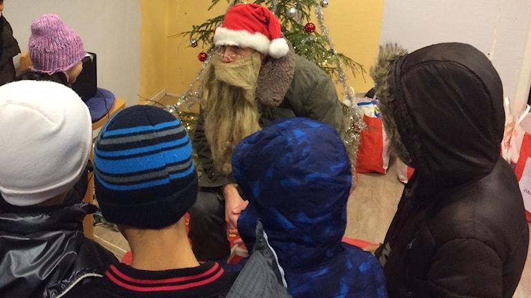 Barn som ville på en julklapp.