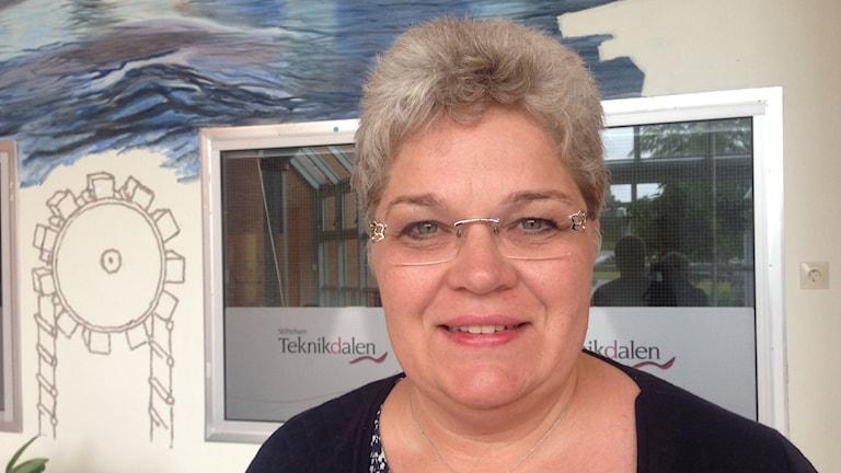 Mari Jonsson (S) har skuggats av Zimbabwiska politiker i två dagar.