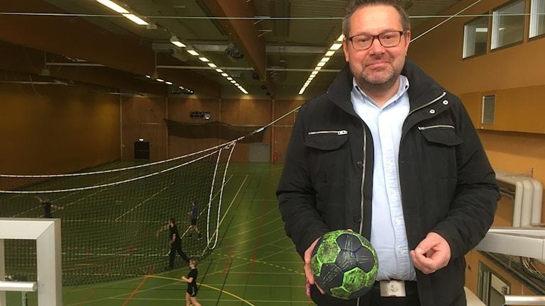 Mikael Selander är ordförande i Falu Handbollsklubb.