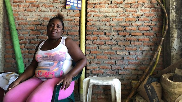 Nora Castillo är en av alla hotade lokala ledare i Buenaventura. Hon är rädd för att fredsavtalet med Farc-gerillan får omvärlden att tro att det är fred i Colombia.