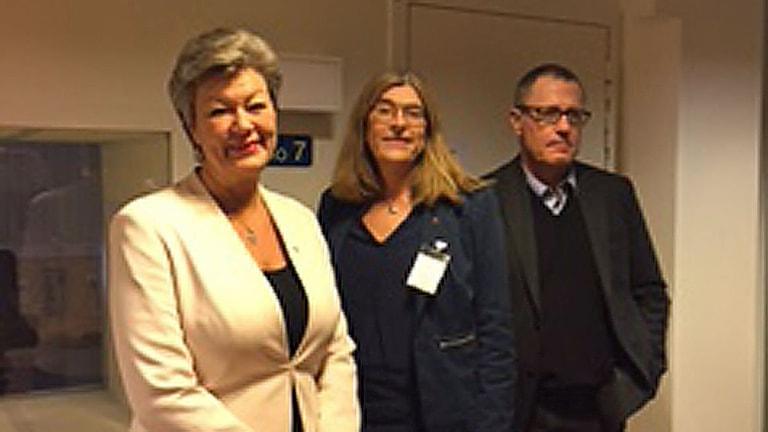 Ylva Johansson, arbetsmarknadsminister, Therese Guovelin, LO:s förste vice ordförande och Anders Weihe, förhandlingschef Teknikföretagen.