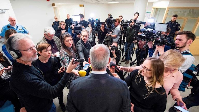 Mediernas rapportering efter terrordådet i Stockholm.