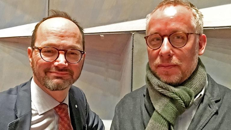 Infrastrukturminister Tomas Enroth och författaren och debattören PO Tidholm på Transportforum 2018.