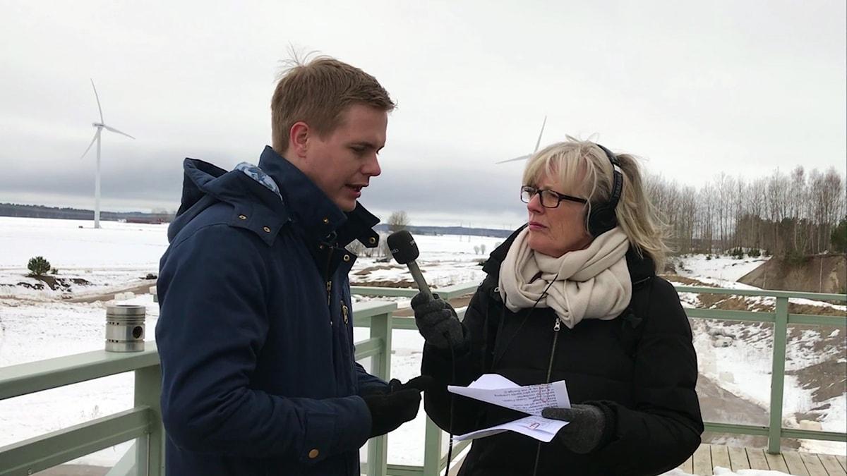 Gustav Fridolin intervjuas av Helena Groll.