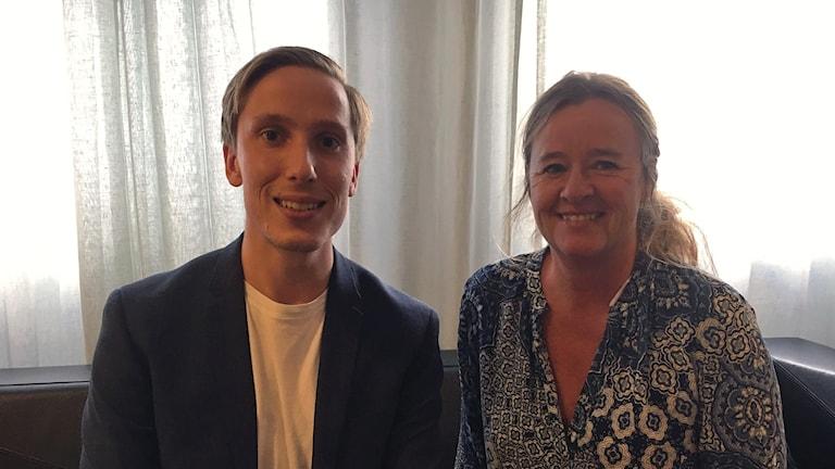 Robert Andersson, ung bostadsköpare och Claudia Wörmann, boendeekonom på SBAB.