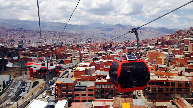 Urbane Seilbahnen gibt es bereits in vielen Städten, wie etwa hier im Bild in La Paz in Mexiko (Foto: Lotten Collin/Sveriges Radio.)