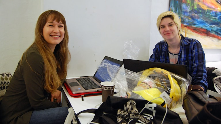 Ivalu Stender och Nyoka Steenholdt två grönländare som studerar utomlands