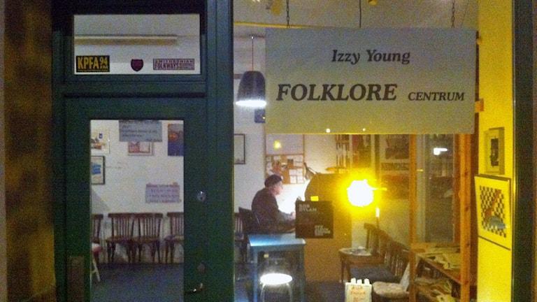 Izzy Young på Folklore Centrum. Foto: Anton Karis/Sveriges Radio
