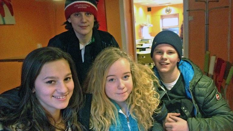 Från vänster: Nicole, Sebastian, Elin, Simon. Foto: Tilde Lewin/Sveriges Radio