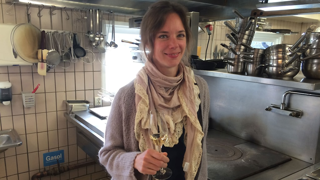 Titti Qvarnström är förstås mycket nöjd med att ha en av de tre restauranger i Skåne som fått en stjärna i Guide Michelin. Foto: Odd Clausen/Sveriges Radio.