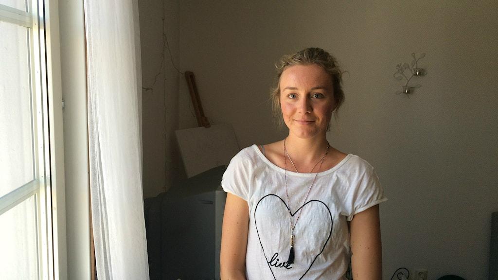 Felicia Nolskog har lämnat landstinget för ett bemanningsföretag. Hon får högre lön och känner sig mer uppskattad på jobbet. Foto: Martin Jönsson/Sveriges Radio