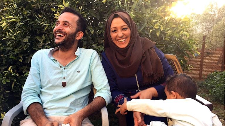 Rihan Hamad med sin man och barn.