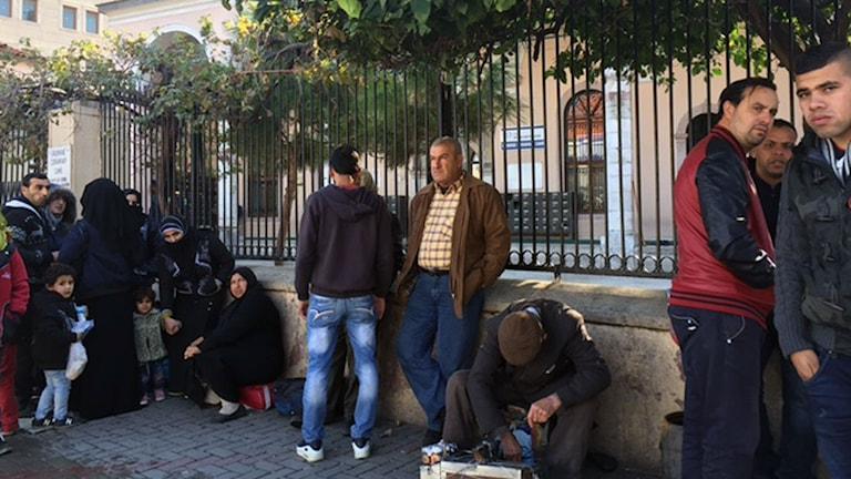 Hörnan vid moskén i Basmane hubb för smugglare.