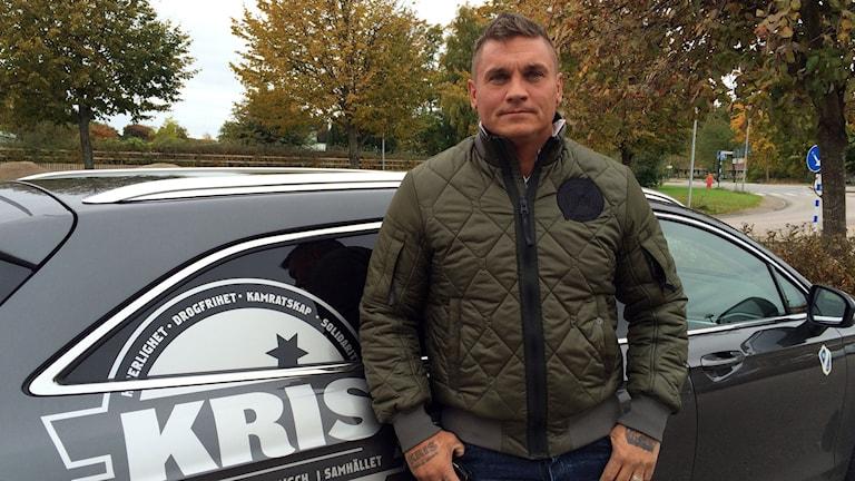 Paul Barath, verksamhetsledare på KRIS. Han är fd kriminell men nu drogfri och är även med i Riks Kris. Foto: Karin Wettre/Sveriges Radio