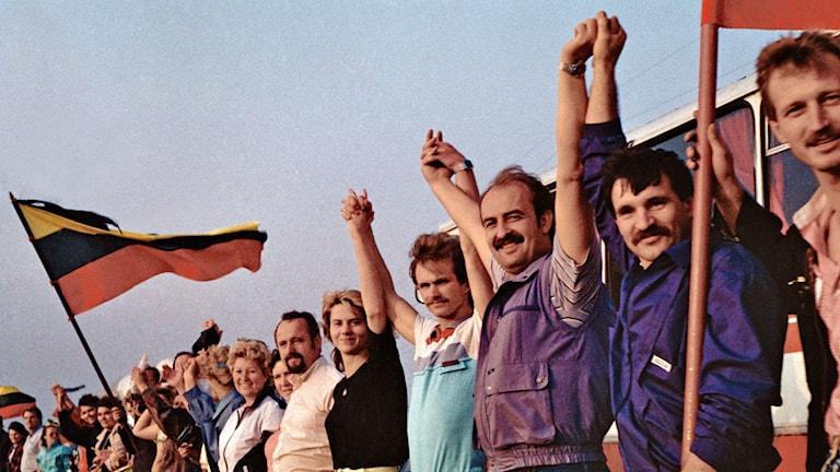Två miljoner människor bildade den baltiska kedjan i augusti 1989 och krävde självständighet från Sovjet. Foto: Wikimedia Commons.