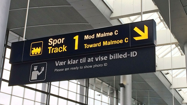 Id-kontrollerna på Kastrup har funnits i en månad nu. Hur länge blir dom kvar, undrar många?