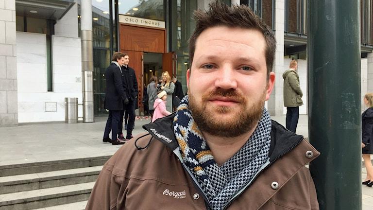 Tore Remi Christensen framför Oslo tingsrätt där Breivik dömdes till norska lagens strängaste straff.