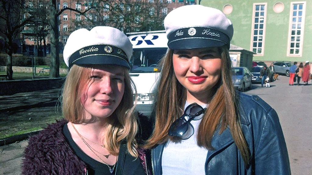 Studenterna Ida Ivarsson och  Cecilia Lindeberg.
