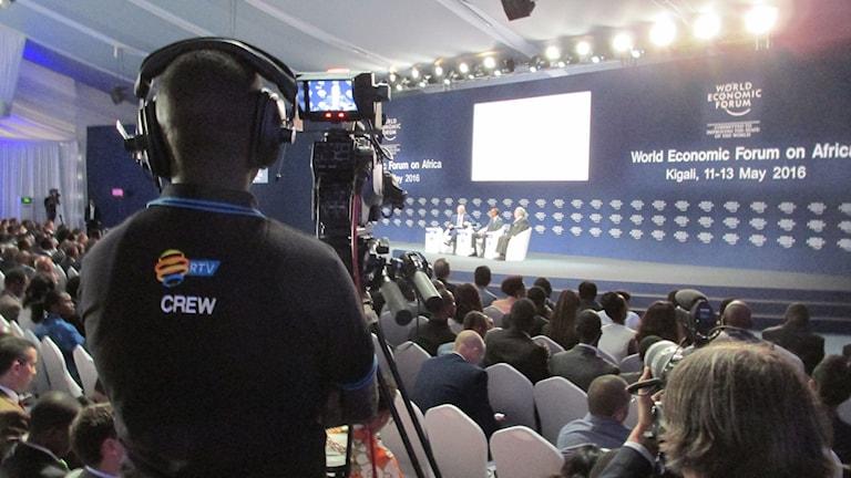 . World Economic Forum med bland annat Tony Blair och Rwandas president Paul Kagame på scen.