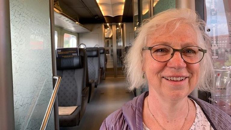 På bild syns pendlaren Jeanette Krönlein.