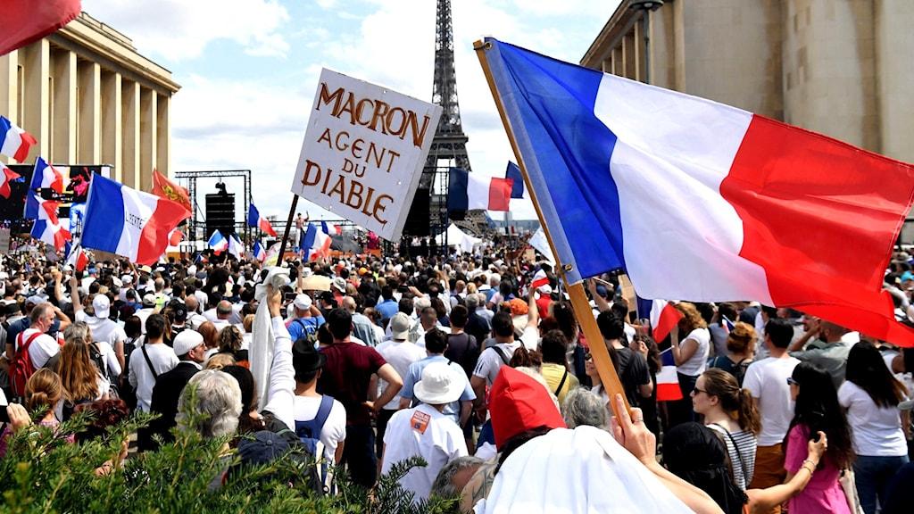 Demonstrationerna vid Place du Trocadero mot Frankrikes nya hårda covidlag