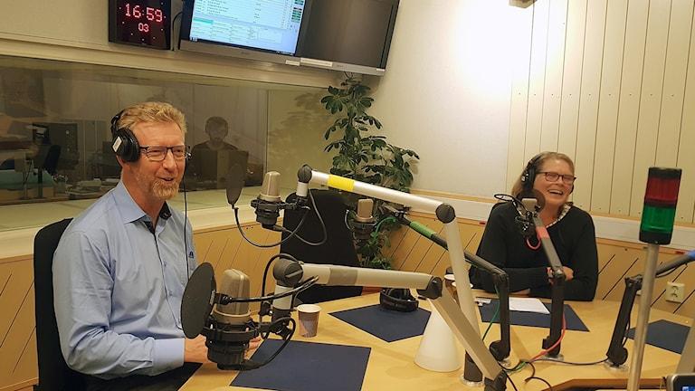 Per Larsson (S) och Cecilia Stegö Chilo (M).