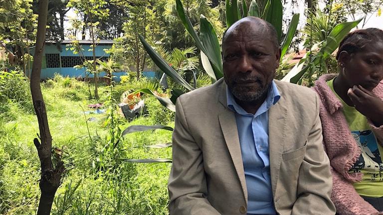 Många Addis Abeba-bor känner solidaritet och har hjälpt till medFör bagaren Aragasch Meharu handlar livet nu om att kunna återvända hem, men inte till vilket pris som helst.