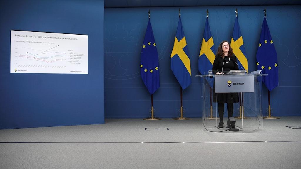 Utbildningsminister Anna Ekström (S) kommenterar Riksrevisionens granskning av PISA-undersökningen 2018 under en pressträff i Rosenbad.