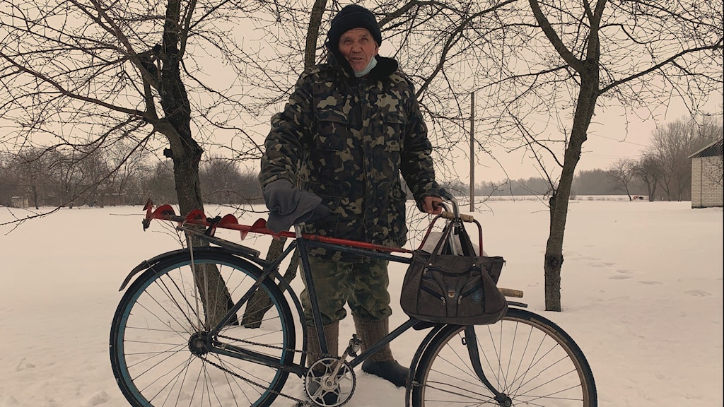 Vasil Mojsejevitj är en av få fastboende i byn Gorochivske, som tidigare hette Petrivske.
