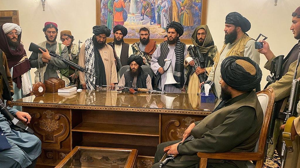 Talibanerna parlamentet i Kabul.