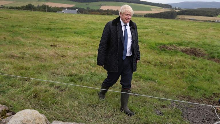Boris Johnson på besök i Skottland. Mycket är fortfarande oklart kring Brexit.