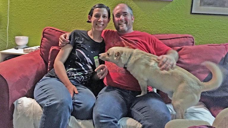 Michelle och James i Texas funderar på att bygga en egen allergispruta