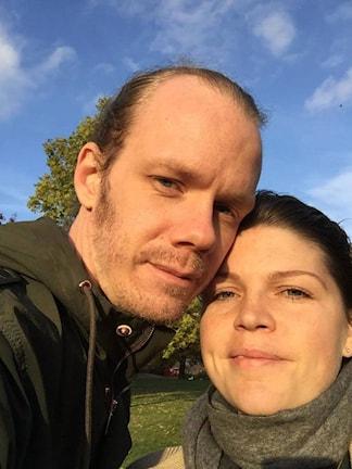 Kela och Tobias Anhem, som ni hör i reportaget.
