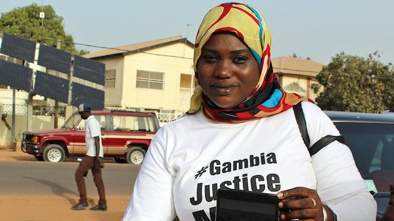 Bild på Jarra Suwareh som är en av många som drabbats av Jammehs hårda styre. Foto: Palmira Koukkari Mbenga/Sveriges Radio